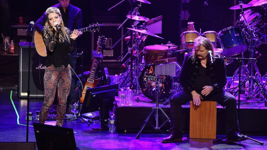Julia und Leslie Mandoki bei einem Konzert im Januar 2018