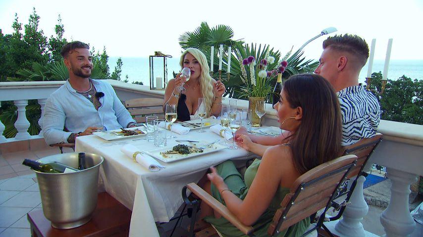 """Julian Evangelos, Sanja Alena, Maria Bell und Calvin Kleinen bei """"Temptation Island V.I.P."""""""