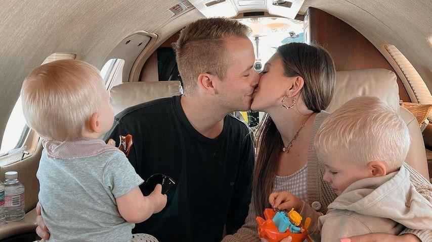 Julian und Bibi Claßen mit ihren Kindern, 2021