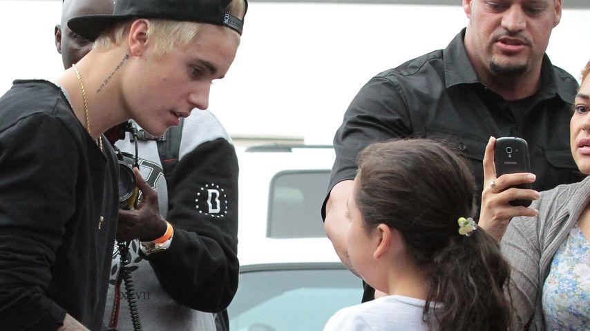 Süß! Justin Bieber kümmert sich um weinenden Fan