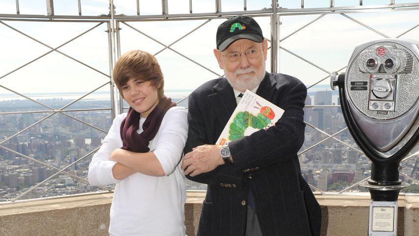 Justin Bieber und Eric Carle bei einem Event in New York, 2009