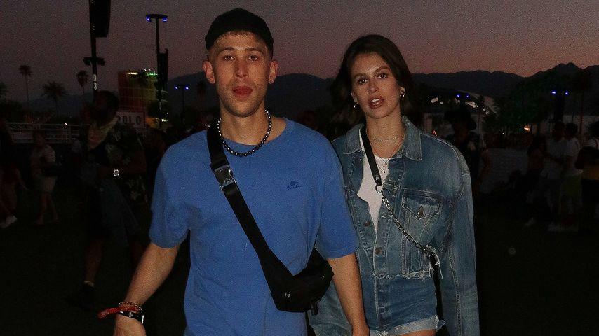 Kaia Gerber (r.) und Tommy Dorfman auf dem Coachella 2019