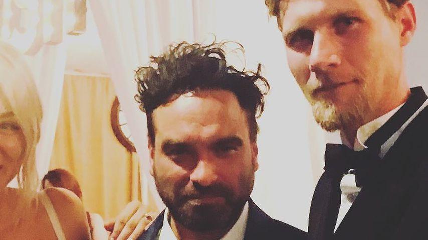 Kaley Cuoco, Johnny Galecki und Karl Cook auf Kaley und Karls Hochzeit 2018