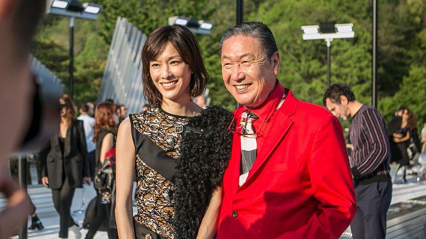 Kansai Yamamoto (rechts) mit seiner Tochter Mirai im Mai 2017