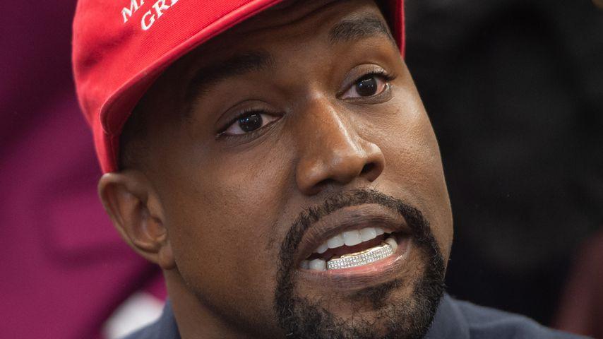 Nach Trump-Besuch: Kanye West springt für Wut-Rede auf Tisch