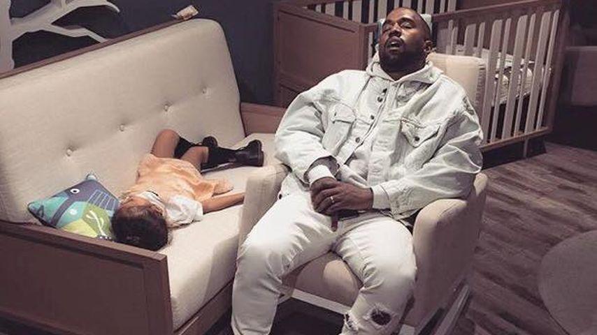 Fies geknipst: Nori und Papa Kanye West beim Nickerchen