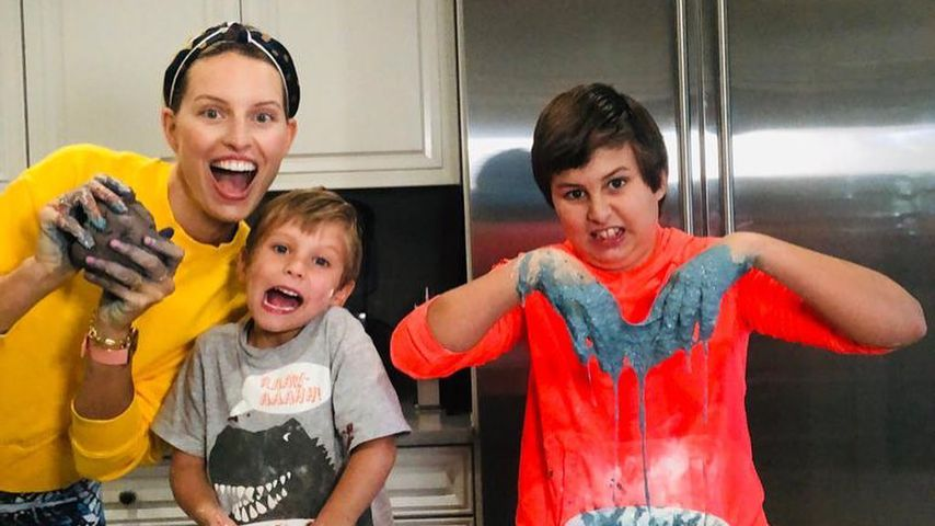 Karolina Kurkova mit ihren Kindern Noah und Tobin
