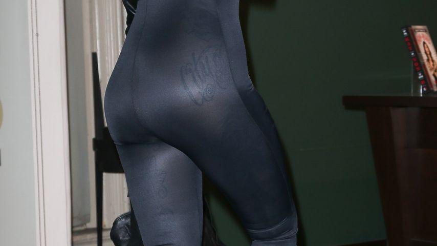 Kat Von D: Tätowierter Po im Ganzkörper-Anzug