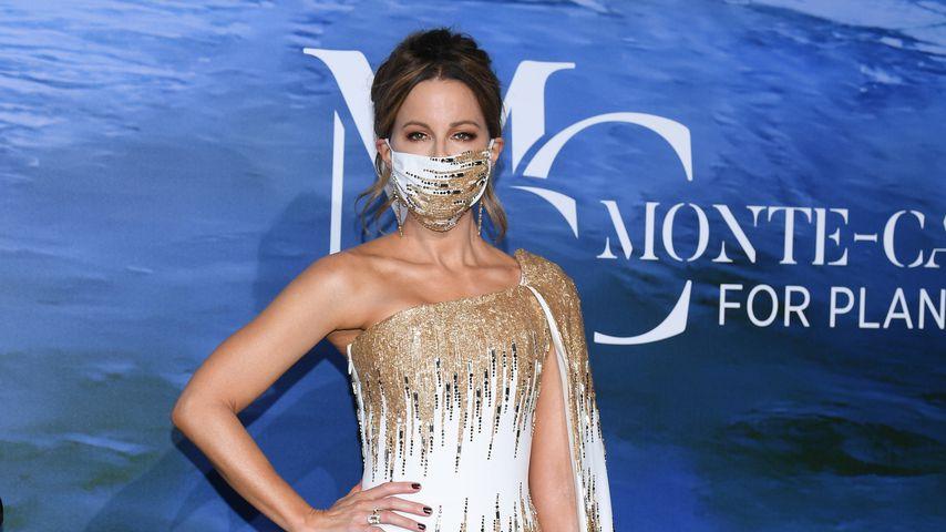 Kate Beckinsale mit Gesichtsmaske