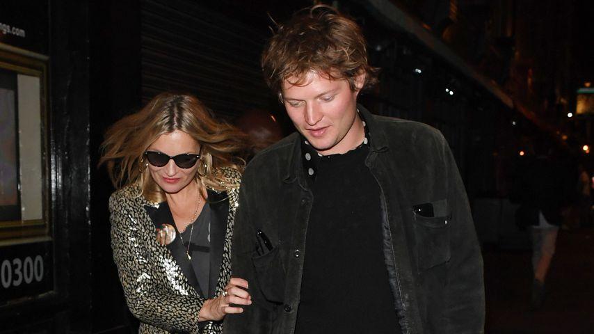 Kate Moss und Nikolai von Bismarck auf dem Weg zu einem Restaurant in London