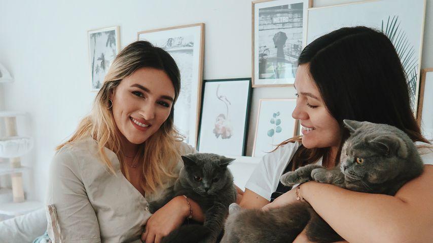Katharina und Anna Maria Damm mit Mila und Nala