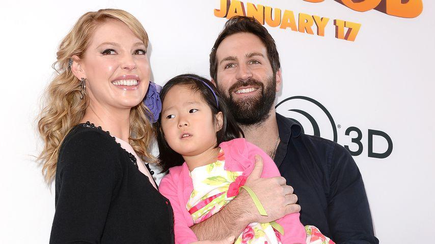 """Katherine Heigl und Josh Kelley mit Tochter Leigh bei der Premiere von """"The Nut Job"""" 2014"""