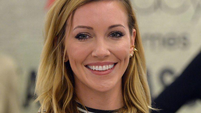 Badenixe: Arrow-Star Katie Cassidy zeigt Hammerfigur