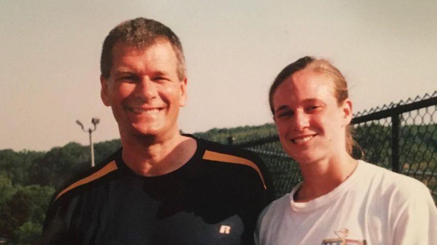 Eine Aufnahme von Katie Zaferes und ihr Vater aus ihrer Jugend