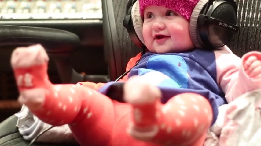 Knuffig! Kelly Clarksons Baby groovt zu Mamas Song