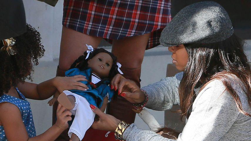 Süßes Geschenk: Kelly Rowland spielt mit Nichte