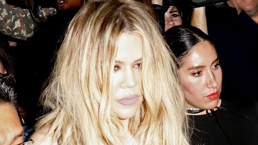 Sturzbetrunken? Khloe Kardashian torkelt auf Bieber-Party
