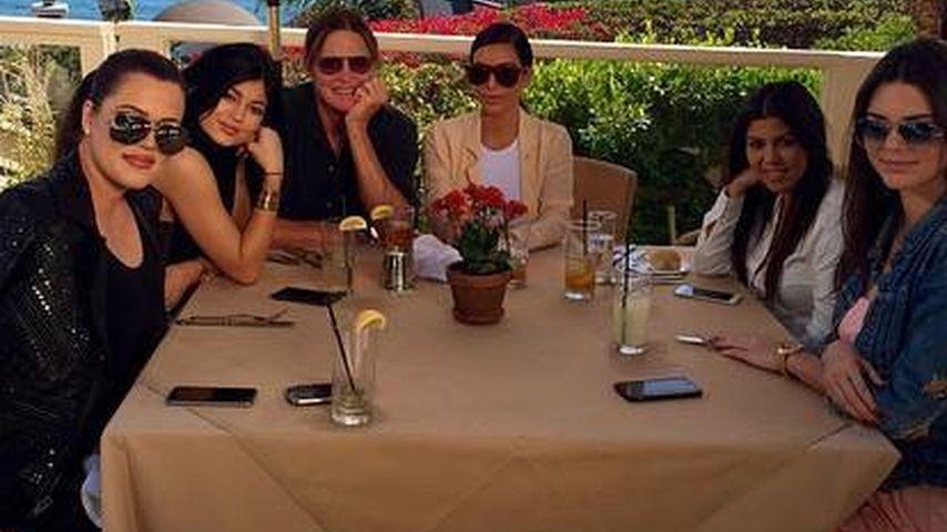 Birthday-Sause: Bruce Jenner inmitten seiner Girls