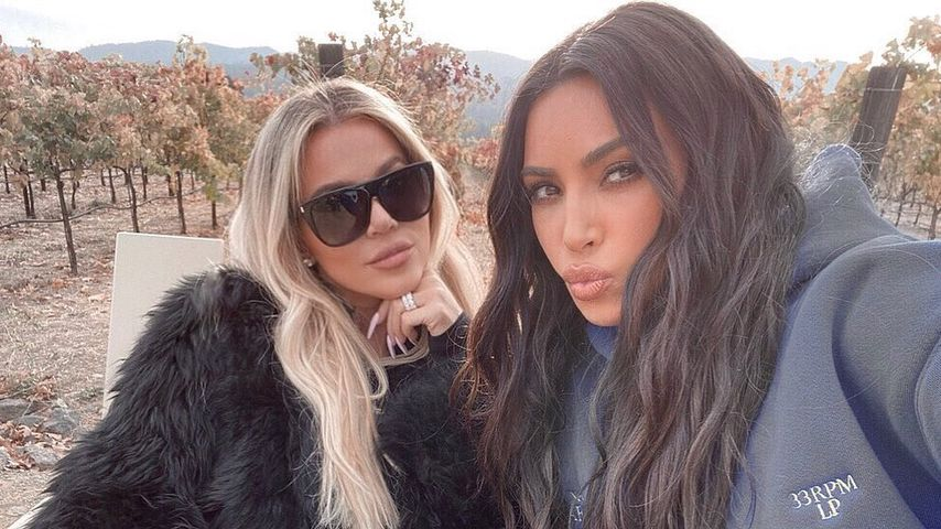 Khloé und Kim Kardashian, Dezember 2019