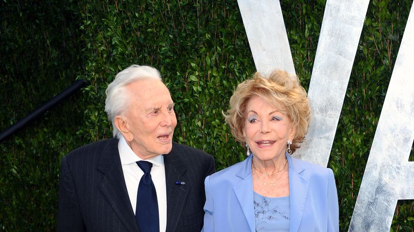 Kirk Douglas und Anne Buydens im Februar 2012 in West Hollywood
