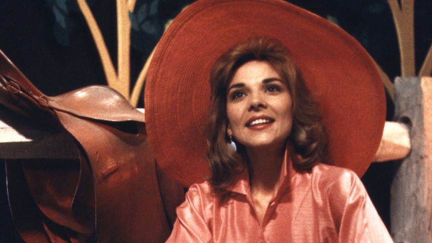 """Kim Cattrall in """"Mannequin"""" 1986"""