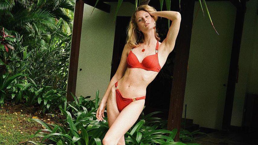 """""""Zu knochig"""": GNTM-Kim Hnizdo erntet Kritik für Bikini-Pic"""