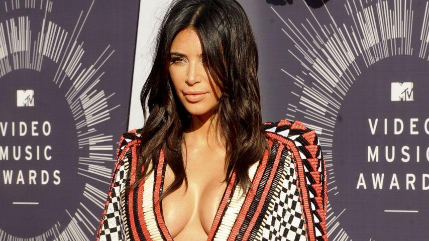 """""""2 Broke Girls"""" kriegen Besuch von Kim Kardashian"""