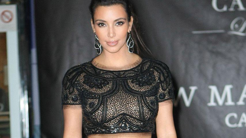Kim Kardashian im Bauchfrei-Abendkleid in Cannes