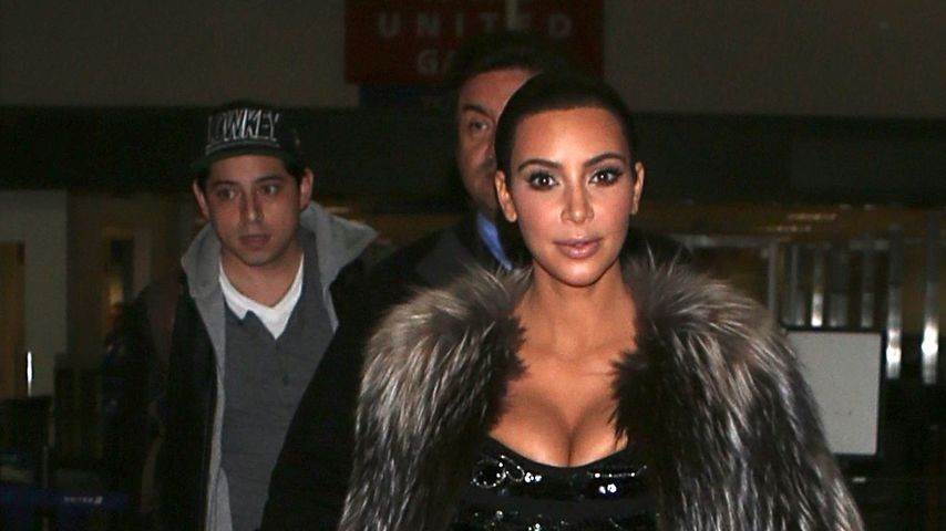 Overdressed? Kim Kardashian im Pelz am Flughafen!