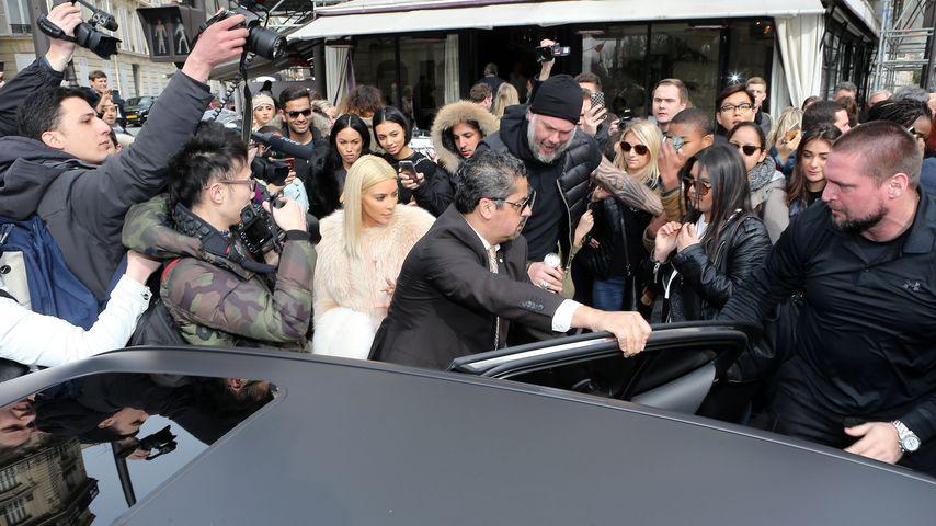 Extrem-Belagerung: Kim Kardashian fast erdrückt