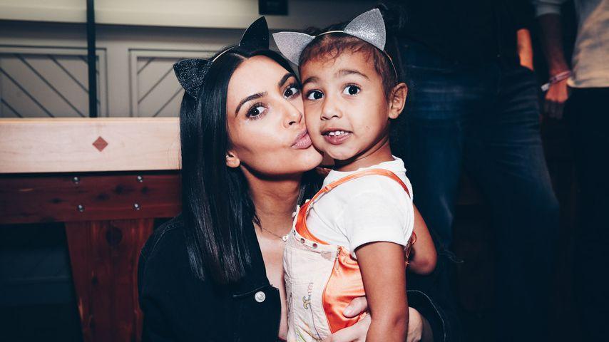 Kim Kardashian und North West bei einem Ariana-Grande-Konzert