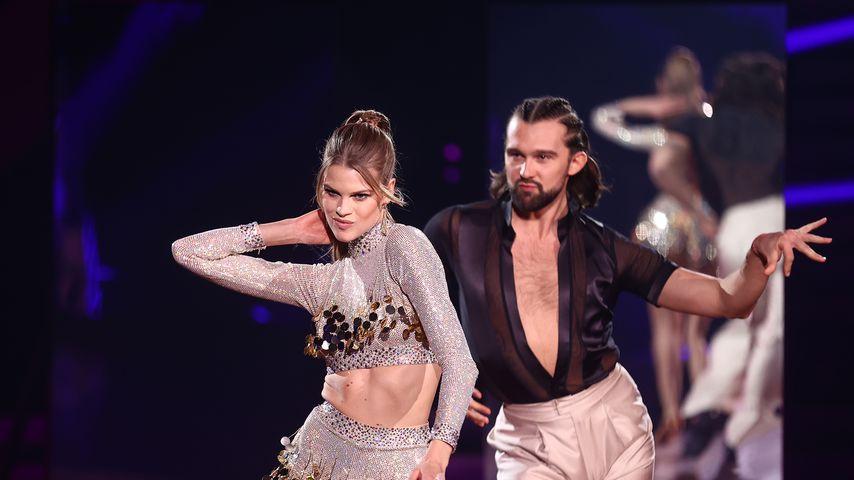 """Kim Riekenberg und Pasha Zvychaynyy in der zweiten """"Let's Dance""""-Show"""