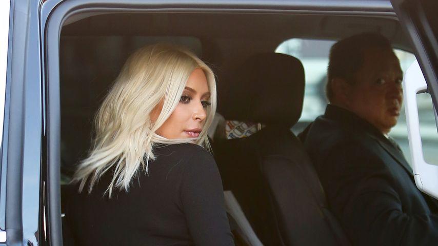 Transparenter Jumpsuit: Kim Kardashian zeigt Tanga