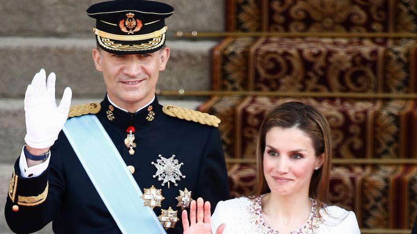 König Felipe, Königin Letizia und ihre Töchter Leonor und Sofia, Juni 2014