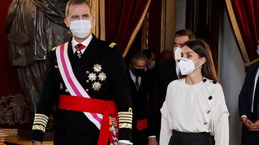 Rock-Blusen-Kombi: Königin Letizia bricht mit Tradition