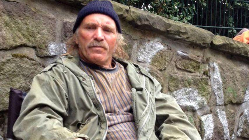 Konny Reimann schlägt sich wacker als Obdachloser