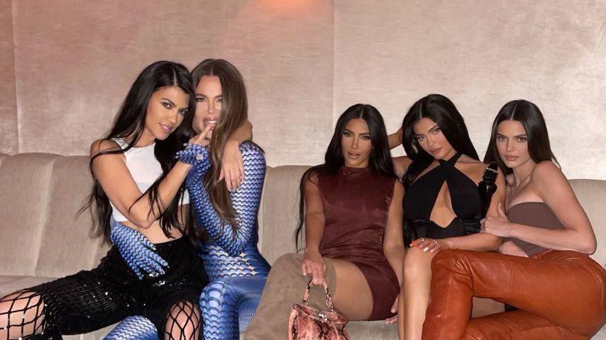Kourtney, Khloé und Kim Kardashian mit Kylie und Kendall Jenner