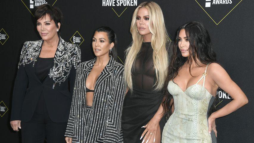 Kris Jenner, Kourtney Kardashian, Khloe Kardashian und Kim Kardashian beim People's Choice Award