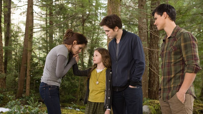 "Kristen Stewart, Mackenzie Foy, Robert Pattinson und Taylor Lautner in ""Breaking Dawn"""