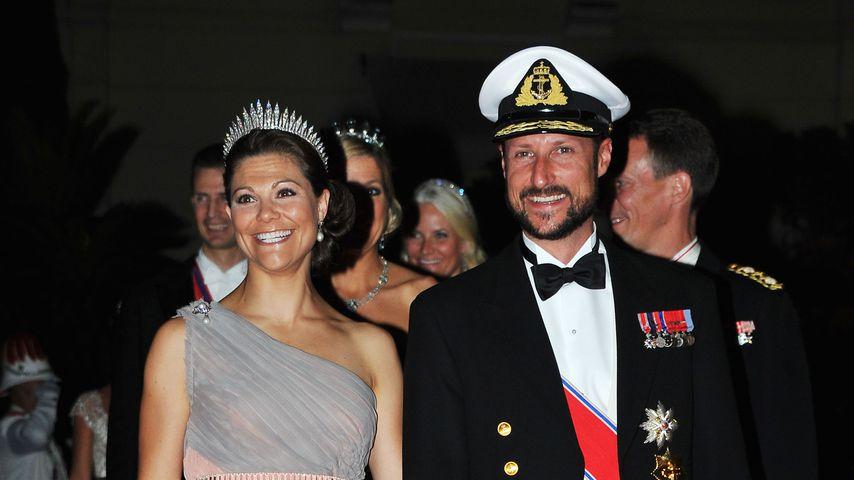 Kronprinzessin Victoria von Schweden und Kronprinz Haakon von Norwegen im Juli 2011