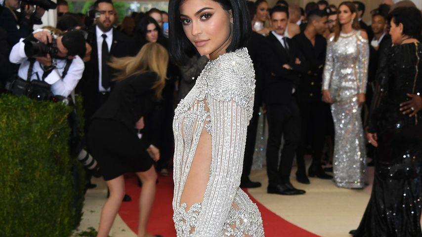 Po-Implantate & Gesichts-OP? Jetzt spricht Kylie Jenner!