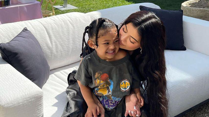 Kylie Jenner mit ihrer Tochter Stormi