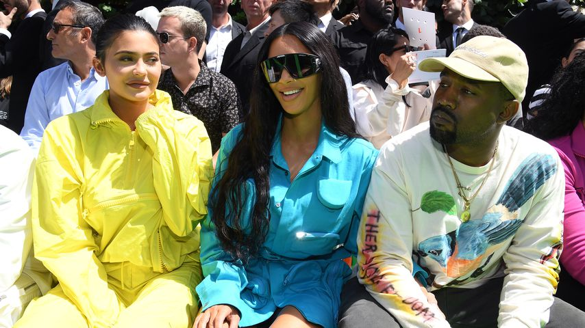 Kylie Jenner, Kim Kardashian und Kanye West bei der Paris Fashionweek 2018 in Paris