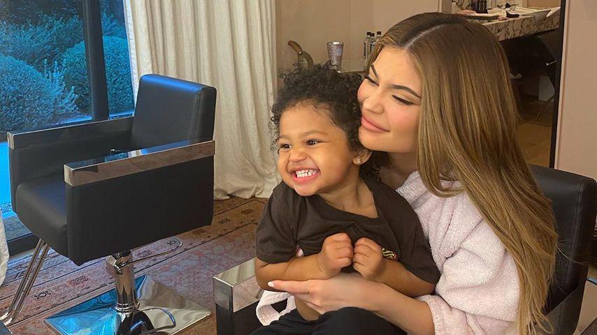 Kylie Jenner mit ihrer Tochter Stormi im April 2020
