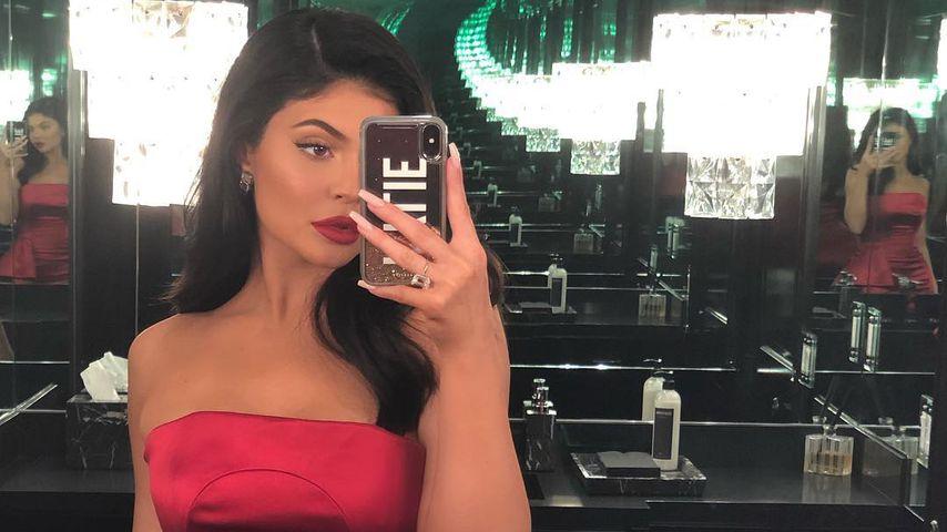 Wie Schwester Kim: Kylie Jenner kämpft gegen Schuppenflechte