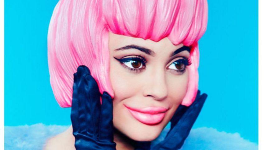 Alles Plastik: Kylie Jenner als rosa Puppe auf Magazin-Cover