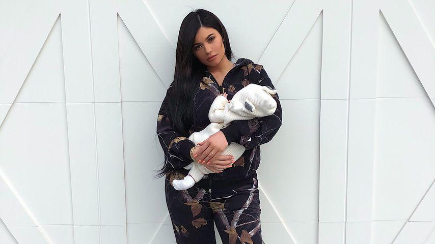 Kylie Jenner zeigt ihre Tochter Stormi — Instagram