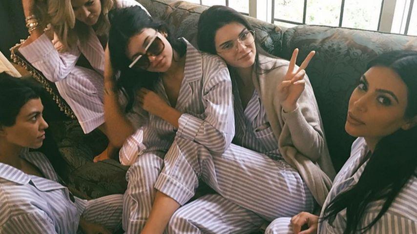 Kim Kardashians Baybshower: Couch-Party mit ihren Mädels