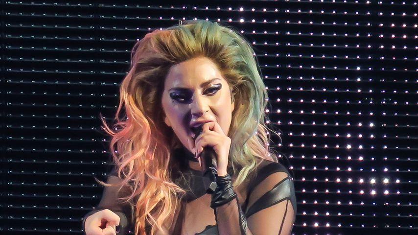 Größter Fan ever: Lady Gagas Oma geht beim Konzert voll ab!