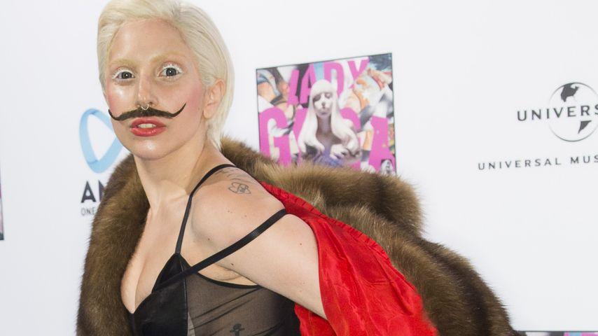 Schnurrbart-Alarm! So feiert Lady GaGa im Berghain
